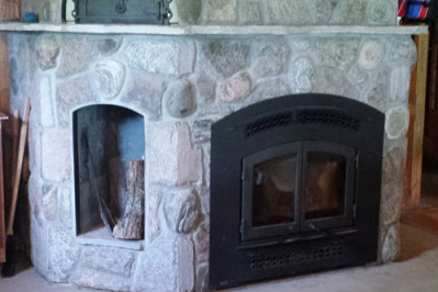_Regency-Excalibur-EX90-wood-burning-fireplace-and-pizza-oven-clad-in-granite-and-river-stone