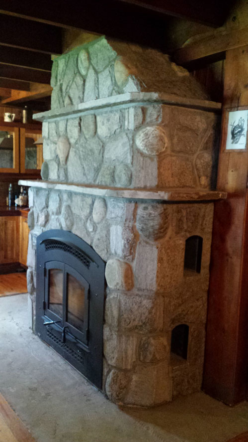 _Regency-Excalibur-EX90-wood-burning-fireplace-and-pizza-oven-clad-in-granite-and-river-stone2